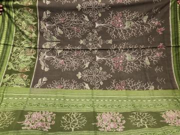 Master Weaver s Exclusively Woven Tree and Bird Motifs Ikat Cotton Saree with Blouse Piece