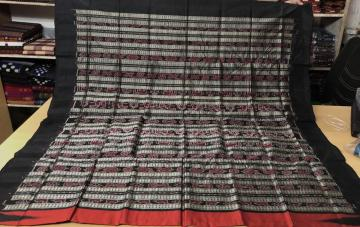 Temple Border Traditional Aanchal Ikat Silk Saree with Blouse Piece