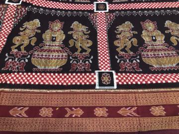Intricately Woven Temple Motifs cotton ikat Saree with Blouse Piece