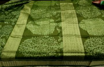 Master Weaver s exquisite hand woven Jungle Theme Ikkat Silk Saree with Blouse Piece