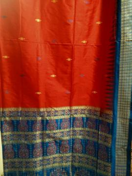 Exclusively Woven Red and Blue Bomkai Silk Saree with Blouse Piece