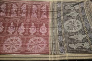 Master  Weaver s Creation Intricate Temple Theme Cotton Ikat Saree with Blouse Piece