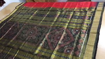 Tissue border Aanchal n butis handwoven ikat Silk Saree with Blouse Piece