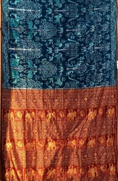 Master Weaver s Creation Jungle theme Ikat Silk Saree with Blouse Piece