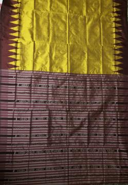 Hand woven Traditional Ikat Silk Saree with Blouse Piece