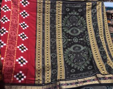 Exclusively woven Red and Black Pasapalli and ikat Cotton Saree with Blouse pIece