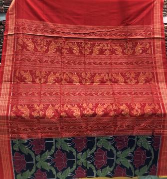 Exquisite Weave Parrot and lotus motifs Double Ikat Cotton Saree with Blouse Piece