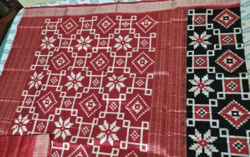 Intricately Woven Double Ikat Pasapalli Silk Saree with Blouse Piece