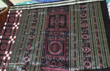 Black and maroon combination double Ikat Utkallaxmi Silk Saree with Blouse Piece