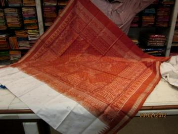 Orissa Handloom White-Rust Traditional Ikat design Saree Sari