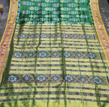 Flower motifs Khandua silk Ikat Saree without blouse Piece