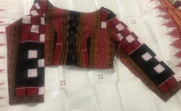 Bichitrapuri Cotton boat neck blouse with lining