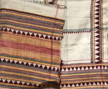 Authentic hand embroidered coarse cotton Dongria Kandha Shawl