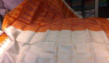 Orissa Handloom Offwhite - Orange Khandua Saree Sari
