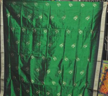 Body Flower design Green Black Orissa Handloom Bomkai Saree