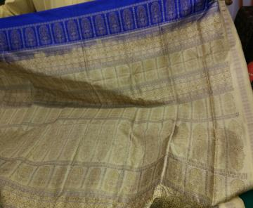 Blue and off white beautiful bomkai silk saree with blouse piece