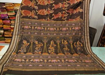 Master Weavers Creation all over Dancer Motifs Ikat Cotton Saree with Blouse Piece