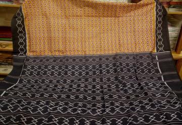 Geometric Pattern Khandua Silk Saree with Blouse Piece