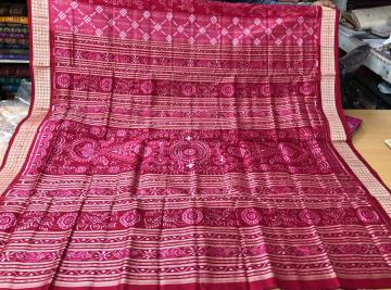 Exclusively woven pasapalli-animal and bird motifs ikat silk Saree with blouse piece